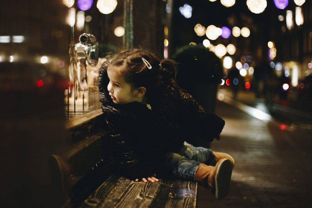 Amsterdam Family Photographer, Christmas lights haarlemmerstraat